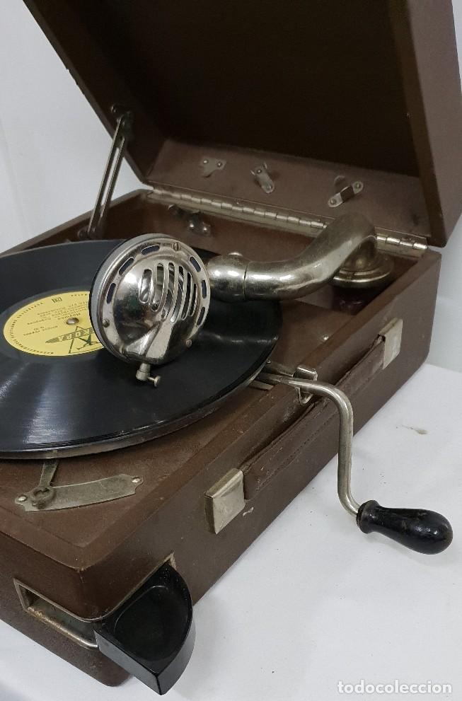 Gramófonos y gramolas: GRAMOLA soviética - Foto 14 - 165530726
