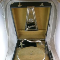Gramófonos y gramolas: GRAMOFONO PARLOPHONE JUBILAR - 1922 - FUNCIONA - MALETA GRAMOLA. Lote 166872308
