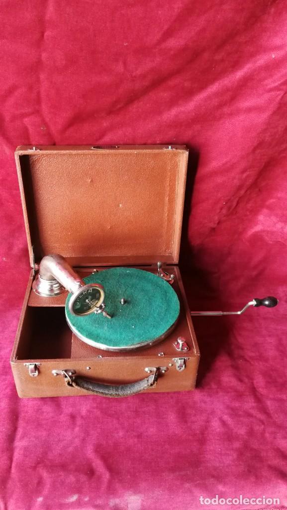 Gramófonos y gramolas: GRAMOFONO RADIOLA, VER FOTOS Y VIDEO - Foto 2 - 167929192