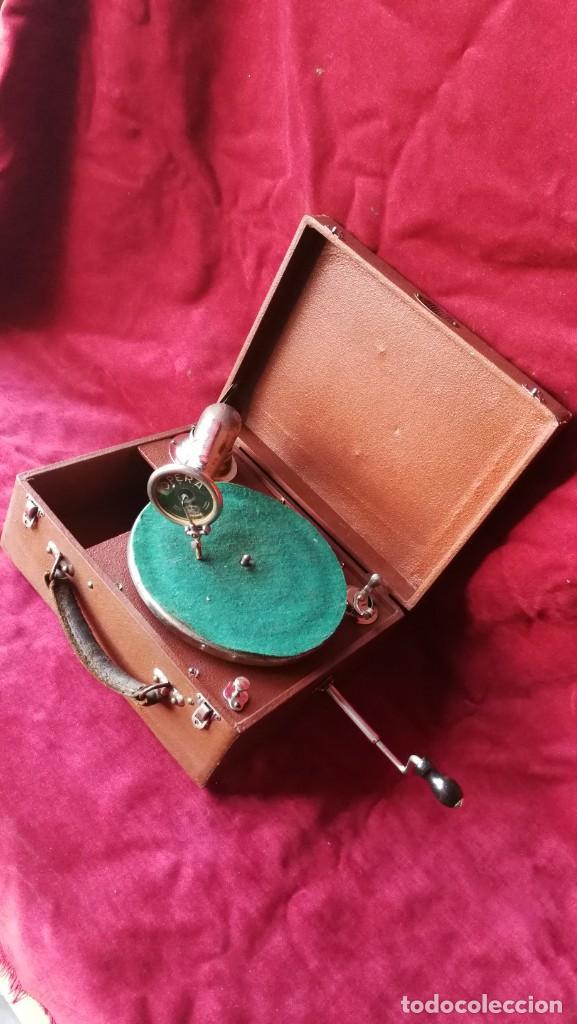 Gramófonos y gramolas: GRAMOFONO RADIOLA, VER FOTOS Y VIDEO - Foto 4 - 167929192