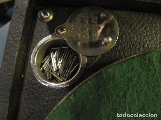 Gramófonos y gramolas: GRAMOFONO DE LA MARCA DECCA - FUNCIONANDO - CHAPA DE FADAS C/PELIGROS EN MADRID - Foto 5 - 168040692