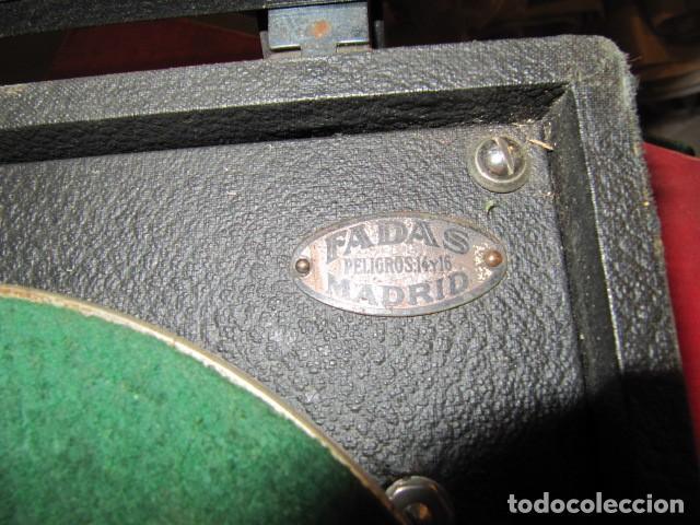 Gramófonos y gramolas: GRAMOFONO DE LA MARCA DECCA - FUNCIONANDO - CHAPA DE FADAS C/PELIGROS EN MADRID - Foto 8 - 168040692