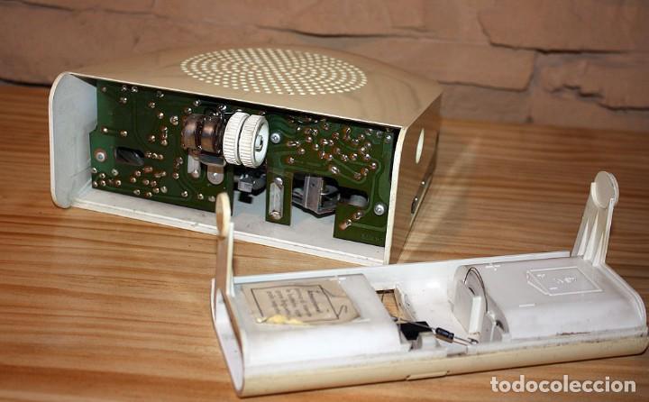 Gramófonos y gramolas: COMEDISCOS MINERVA - TOCADISCOS TOCA DISCOS COME DISCOS - VINTAGE RETRO SPACE AGE - Foto 5 - 170575590