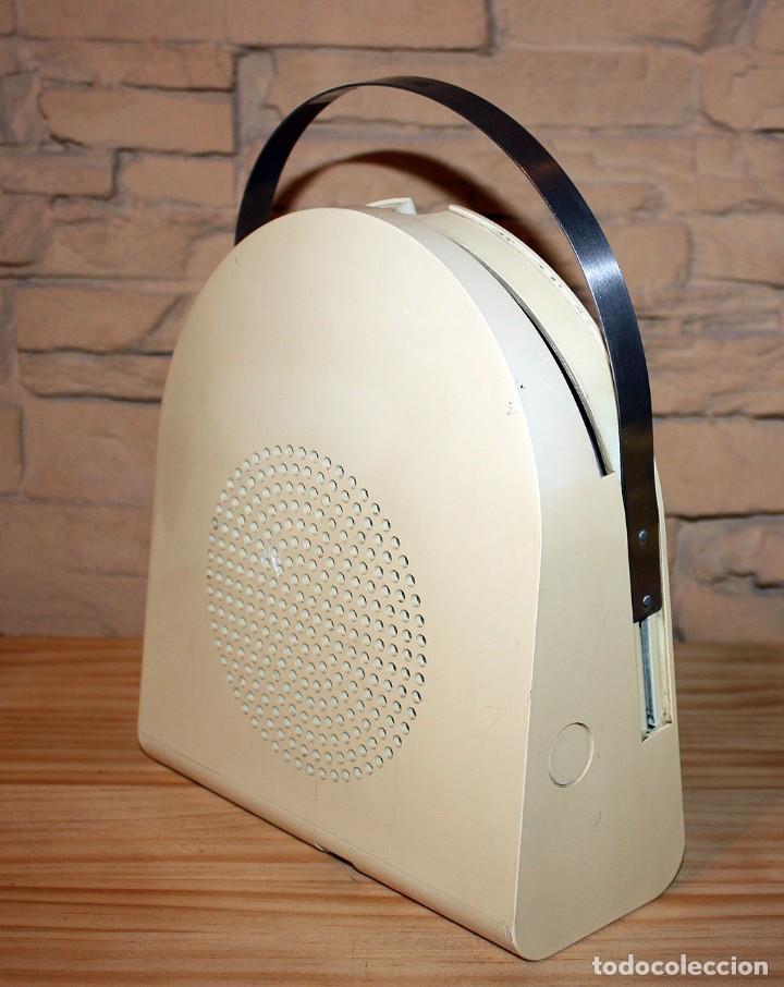 Gramófonos y gramolas: COMEDISCOS MINERVA - TOCADISCOS TOCA DISCOS COME DISCOS - VINTAGE RETRO SPACE AGE - Foto 7 - 170575590