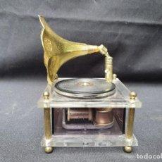 Gramófonos y gramolas: CAJA MUSICAL GRAMÓFONO . Lote 171034210