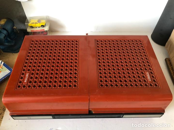 Gramófonos y gramolas: Tocadiscos portàtil o a corriente PHILIPS MOD. 623 con altavoces incorporados - Foto 2 - 171368223