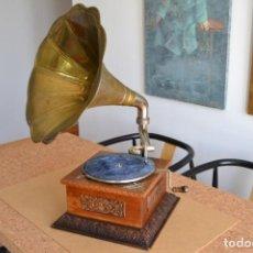 Gramófonos y gramolas: GRAMOFONO ANTIGUO DE 1910. TOTALMENTE REVISADO Y EN PERFECTO ESTADO DE FUNCIONAMIENTO. VER VIDEO. Lote 171806430