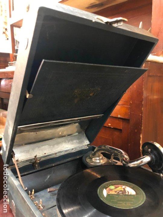 Gramófonos y gramolas: MAGNIFICA GRAMOFONO MALETIN FUNCIONANDO PERFECTAMENTE - Foto 10 - 172530823