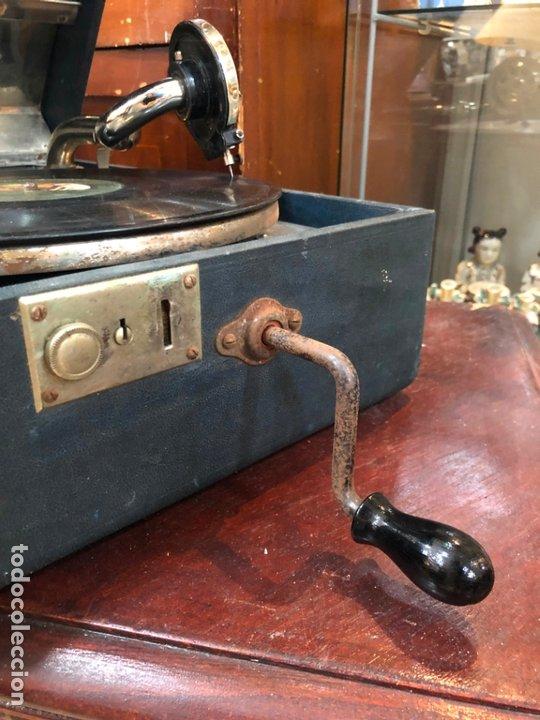 Gramófonos y gramolas: MAGNIFICA GRAMOFONO MALETIN FUNCIONANDO PERFECTAMENTE - Foto 12 - 172530823