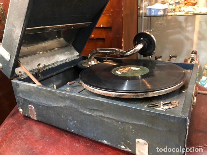 Gramófonos y gramolas: MAGNIFICA GRAMOFONO MALETIN FUNCIONANDO PERFECTAMENTE - Foto 13 - 172530823