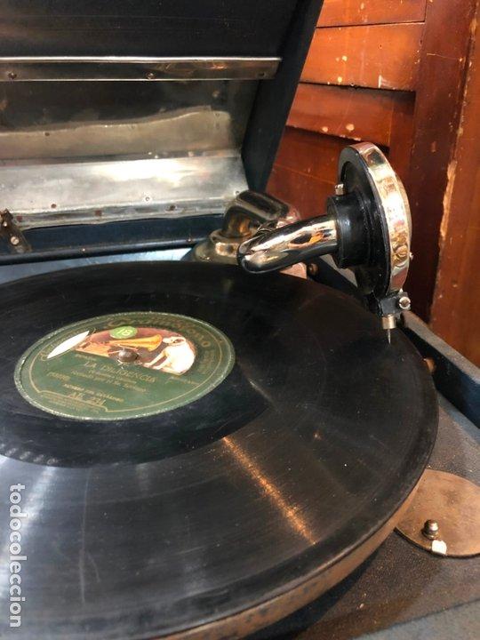 Gramófonos y gramolas: MAGNIFICA GRAMOFONO MALETIN FUNCIONANDO PERFECTAMENTE - Foto 14 - 172530823