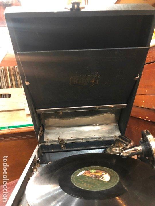 Gramófonos y gramolas: MAGNIFICA GRAMOFONO MALETIN FUNCIONANDO PERFECTAMENTE - Foto 15 - 172530823