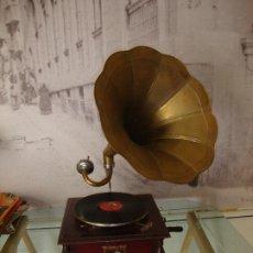 Gramófonos y gramolas: GRAMOFONO HIS MASTER'S VOICE LA VOZ DE SU AMO FUNCIONA VER FOTOS. Lote 173523539