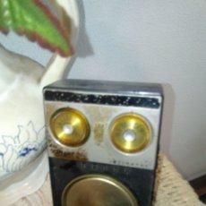 Gramófonos y gramolas: RADIO ANTIGUA. Lote 174553275