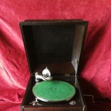 Gramófonos y gramolas: GRAMOFONO DE SALON, EXCELENTE ESTADO Y FUNCIONAMIENTO (VER VIDEO). Lote 175666664