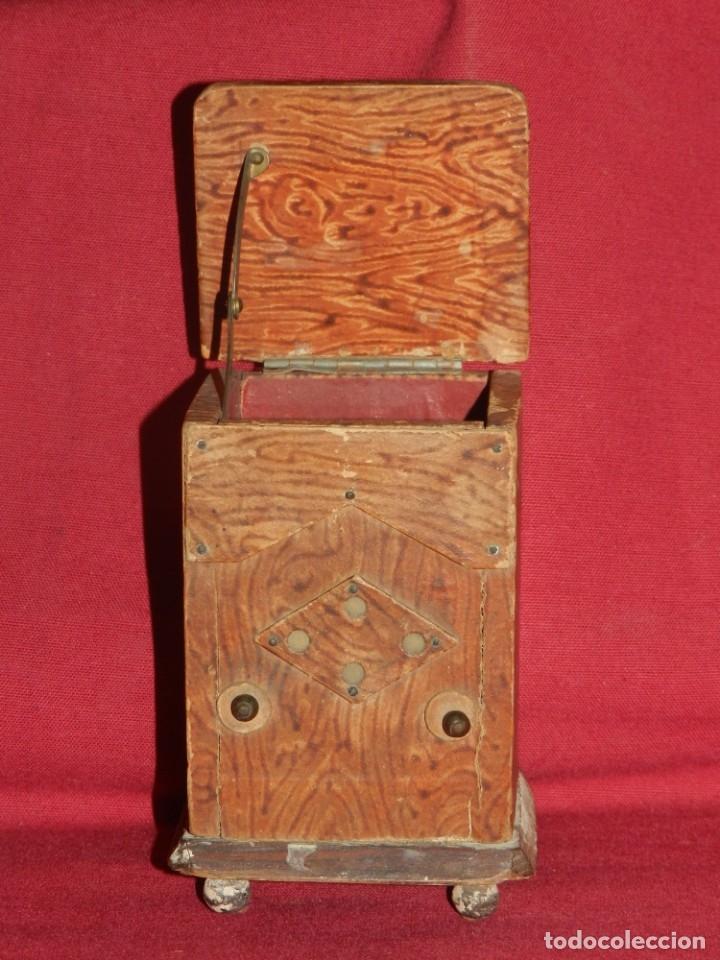 Gramófonos y gramolas: (M) GRAMOFONO EN MINIATURA DE MADERO PRICNIPIOS AÑOS 20, GRAMOFONO ARTE POPULAR - Foto 3 - 175688809