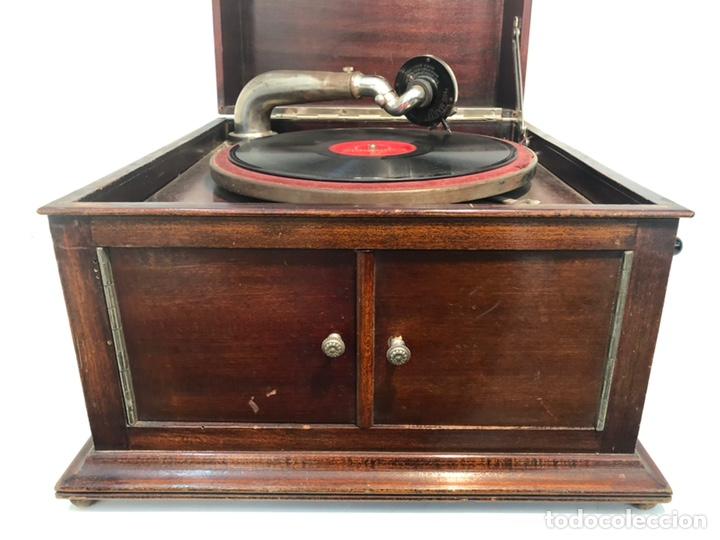 Gramófonos y gramolas: GRAMOFONO DE CAJA MARCA PATHE ANTIGUO. - Foto 2 - 176808327