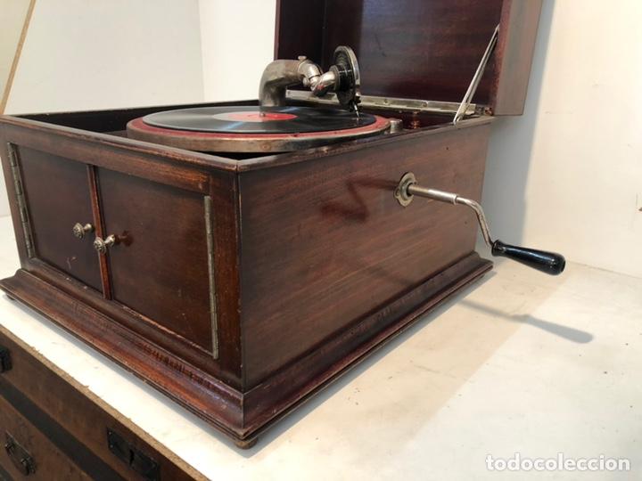 Gramófonos y gramolas: GRAMOFONO DE CAJA MARCA PATHE ANTIGUO. - Foto 7 - 176808327