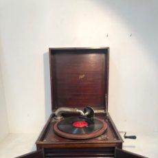 Gramófonos y gramolas: GRAMOFONO DE CAJA MARCA PATHE ANTIGUO.. Lote 176808327