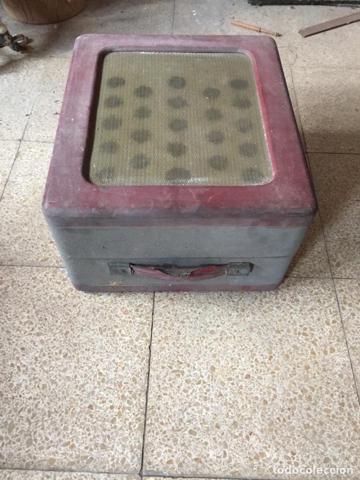 Gramófonos y gramolas: Tocadiscos de maleta antiguo vintage retro MELODIAL - Foto 2 - 178826201