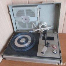 Gramófonos y gramolas: ANTIGUO TOCADISCOS MODELO COSMOS A-2250. Lote 180051113
