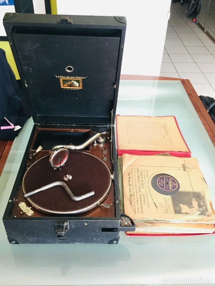 ¡GRAN OFERTA ! ANTIGUO GRAMOFONO DE MALETA-HIS MASTER VOICE-GRAN LOTE DE 18 DISCOS-FUNCIONA (Radios, Gramófonos, Grabadoras y Otros - Gramófonos y Gramolas)