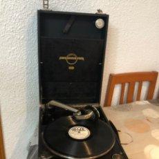 Gramófonos y gramolas: GRAMOFONO ANTIGUO DE MALETA COLUMBIA VIVA-TONAL GRAFONOLA Nº 109 A MADE IN ENGLAND. Lote 180211560