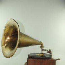 Gramófonos y gramolas: ESPECTACULAR GRAMÓFONO ANTIGUO EXCELENTE PIEZA DE DECORACIÓN MARCA PLANOPHON . Lote 181817388
