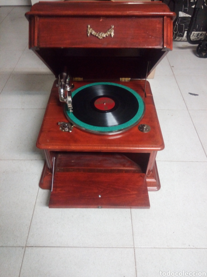 ESPECTACULAR GRAMÓFONO DE MADERA CIRCA 1920 ENVIO GRATIS!!!! (Radios, Gramófonos, Grabadoras y Otros - Gramófonos y Gramolas)