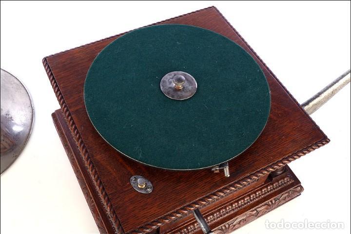 Gramófonos y gramolas: Antiguo Gramófono Monarch Europeo La Voz de su Amo. Francia, 1903 - Foto 16 - 185695856