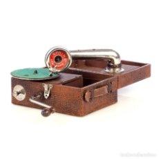 Gramófonos y gramolas: ANTIGUO GRAMÓFONO DE VIAJE SPHINX. INGLATERRA, 1930. Lote 185697567