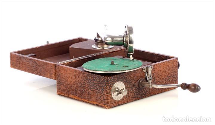 Gramófonos y gramolas: Antiguo Gramófono de Viaje Sphinx. Inglaterra, 1930 - Foto 3 - 185697567
