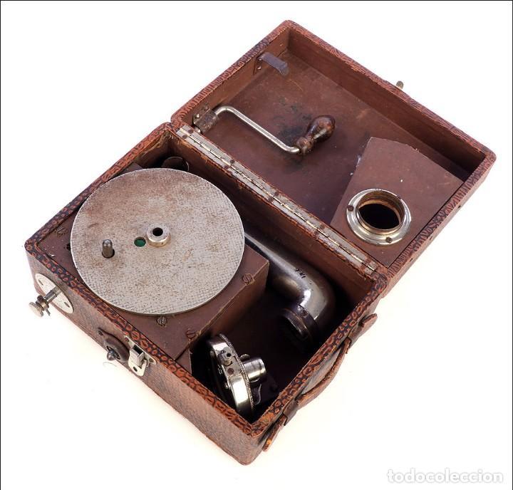 Gramófonos y gramolas: Antiguo Gramófono de Viaje Sphinx. Inglaterra, 1930 - Foto 6 - 185697567