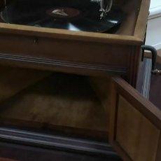 Gramófonos y gramolas: PRECIOSA GRAMOLA . Lote 186066245