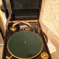 Gramófonos y gramolas: GRAMÓFONO DE MALETA- COLUMBIA?. Lote 186348843