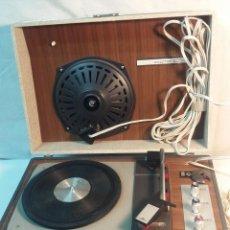 Gramófonos y gramolas: TOCADISCOS COSMO PICK-UP MALETA PORTATIL MODELO CONVER 1000. AÑOS 60 - 70. Lote 187002507