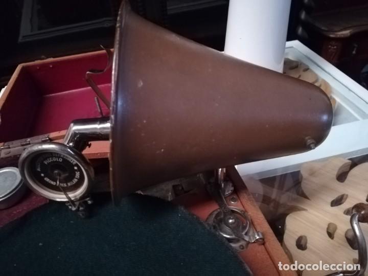 Gramófonos y gramolas: GRAMÓFONO DE MALETA CON BOCINA LA VOZ DE SU AMO. C. COPPEL.MUY RARO.FUNCIONANDO. - Foto 7 - 190160241