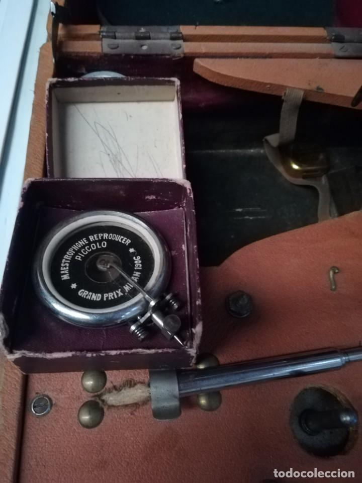 Gramófonos y gramolas: GRAMÓFONO DE MALETA CON BOCINA LA VOZ DE SU AMO. C. COPPEL.MUY RARO.FUNCIONANDO. - Foto 15 - 190160241