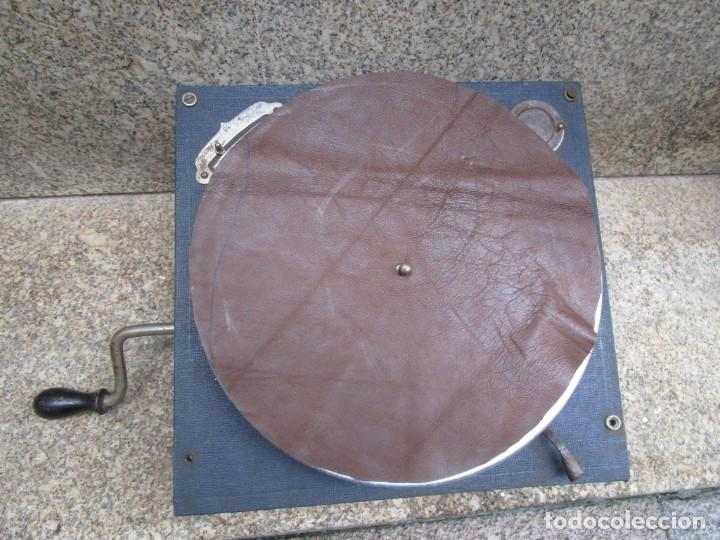 SUIZA - MAQUINA DE GRAMOLA MARCA ' THORENS ' GRAMOFONO PORTATIL EXCELENTE CONSERVACION 2.3KG +INFO (Radios, Gramófonos, Grabadoras y Otros - Gramófonos y Gramolas)