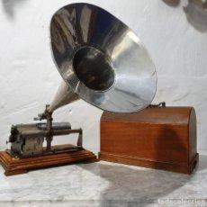 Gramófonos y gramolas: ANTIGUO FONOGRAFO PATHE ROYAL. Lote 193199198