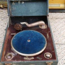 Gramófonos y gramolas: ANTIGUA GRAMOLA. Lote 194214682