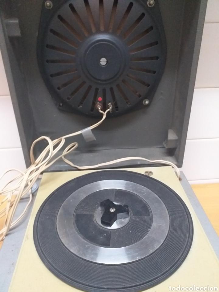 Gramófonos y gramolas: Antiguo tocadiscos maleta marca STIBERT mod 706, para restaurar o piezas - Foto 3 - 194505807