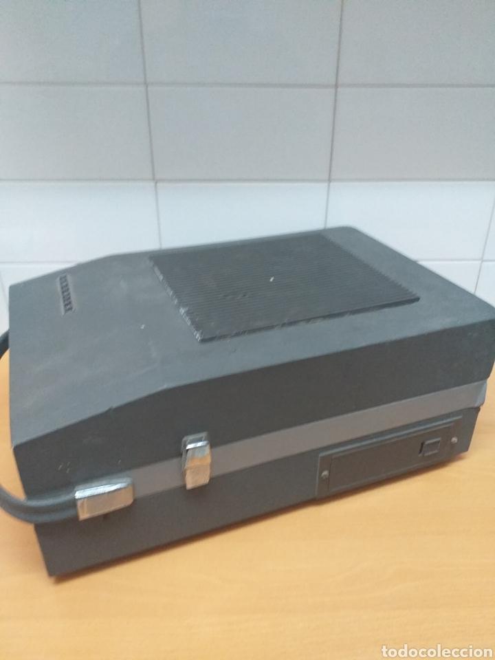 Gramófonos y gramolas: Antiguo tocadiscos maleta marca STIBERT mod 706, para restaurar o piezas - Foto 4 - 194505807