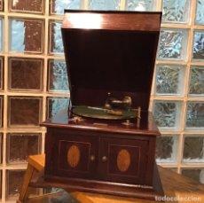 Gramófonos y gramolas: GRAMÓFONO DE LOS AÑO 30. Lote 194618143