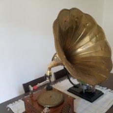 Gramófonos y gramolas: ANTIGUO GRAMOFONO MELOPHONE 1920.. Lote 195061126