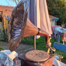 Gramófonos y gramolas: GRAMÓFONO. Lote 195122838