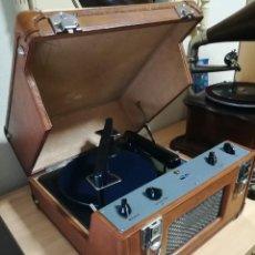 Gramófonos y gramolas: GRAMÓFONO, MALETA AMPLIFICADORA A VÁLVULAS PARA DISCOS DE PIZARRA 78RPM. Lote 195367376