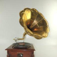 Gramofones e jukeboxes: GRAMÓFONO, HIS MASTERS VOICE .- LA VOZ DE SU AMO. Lote 195905768