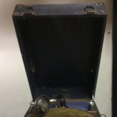 Gramófonos y gramolas: GRAMÓFONO PORTÁTIL DECCA DE LOS AÑOS 30. IDEAL COLECCIONISTAS. Lote 195909565