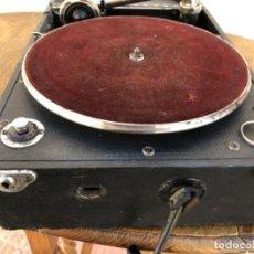 Gramófonos y gramolas: GRAMÓFONO MALETA AÑOS 40 PARA PIEZAS. Lote 196727032
